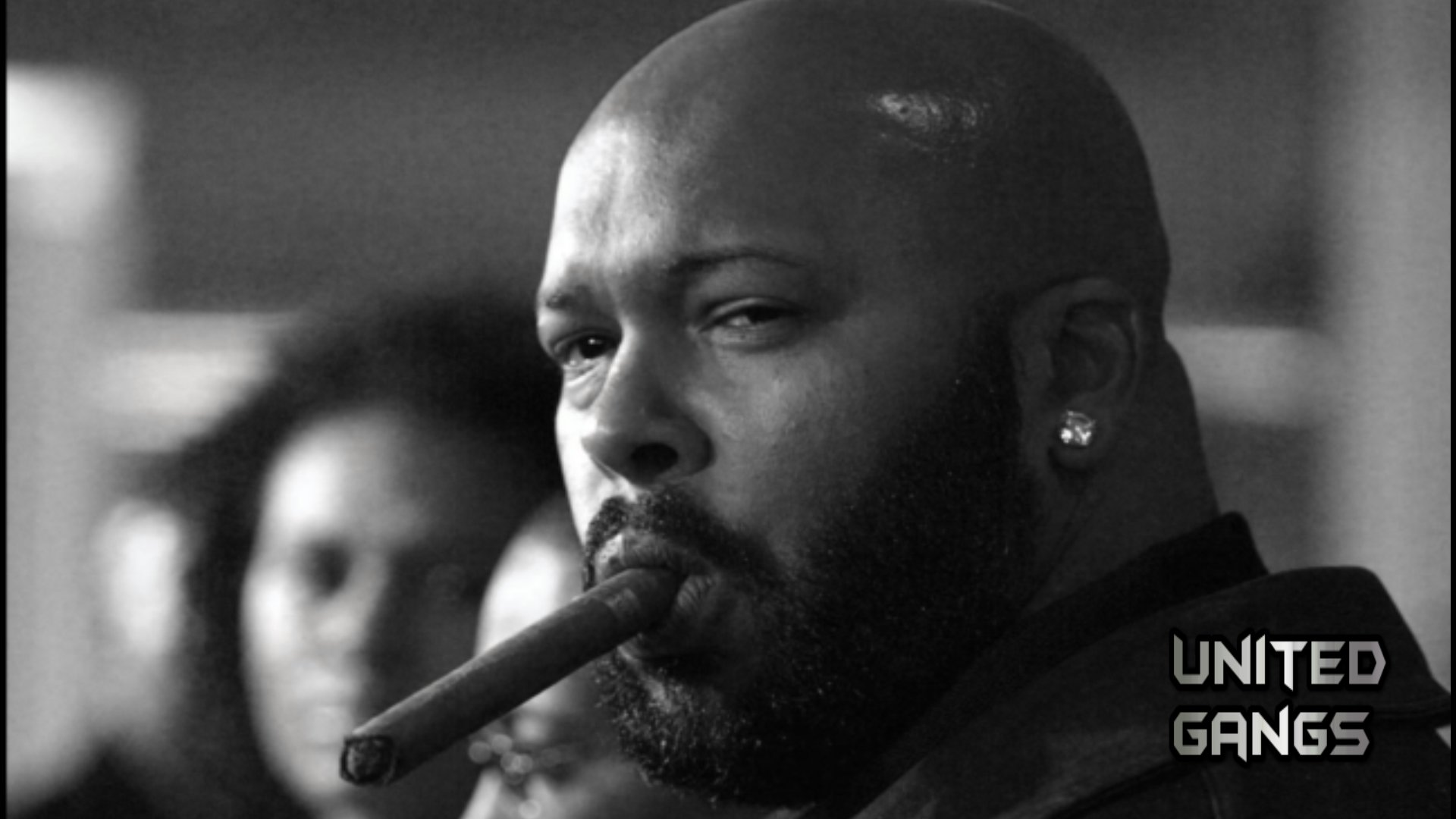 Marion Suge Knight Compton Californië 19 april 1965 is een Amerikaanse muziekproducent Hij is de oprichter van het beroemde hiphopplatenlabel Death Row